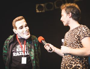 Kurt Razelli mit Michael Ostrowski beim FM4 Protestsongcontest Finale
